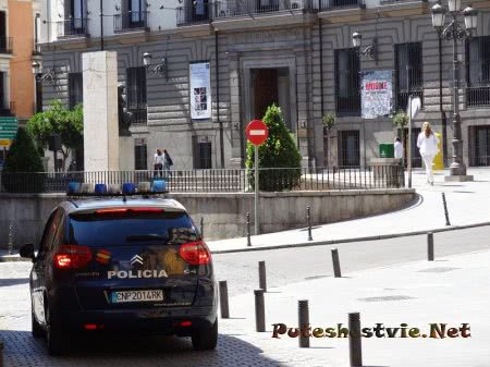 Полицейская машина в испанской столице