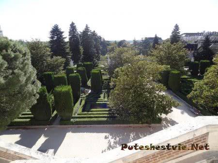 Территория садов в Мадриде