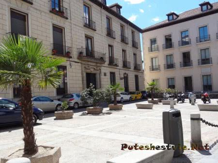 Тихая площадь в Мадриде