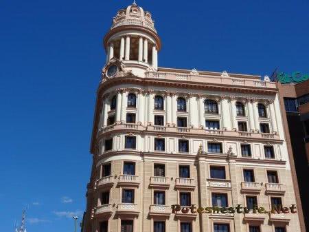 Прекрасное здание столицы Испании