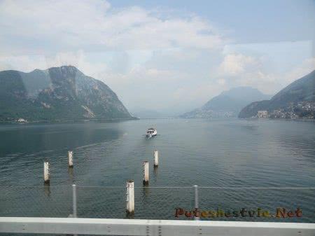 Кораблик на швейцарском озере