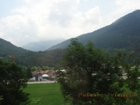 Дымка над Альпами в Швейцарии