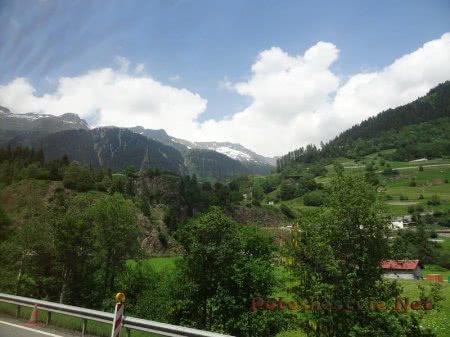 Чудесные виды Альпийских гор в Швейцарии