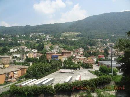 Небольшой город в швейцарских Альпах