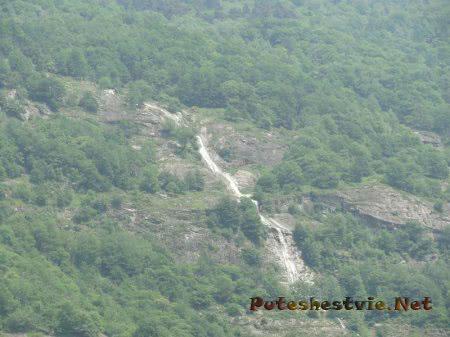 Водопад в Альпах