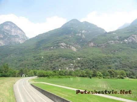 Идеальные дороги в швейцарских Альпах