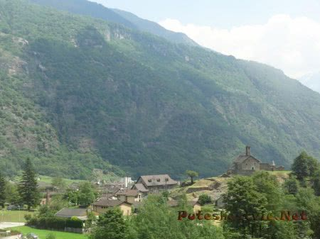Старинное поселение в швейцарских Альпах