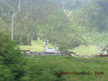 Старая часовенка в Альпах