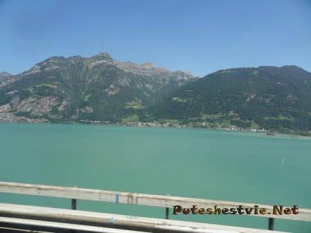 Огромное озеро в Швейцарии