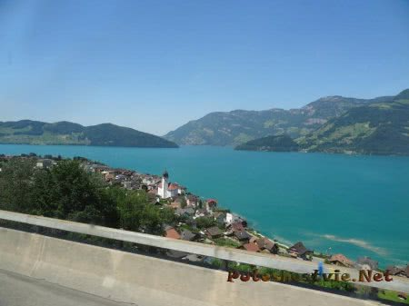 Сказочный швейцарский город на берегу озера