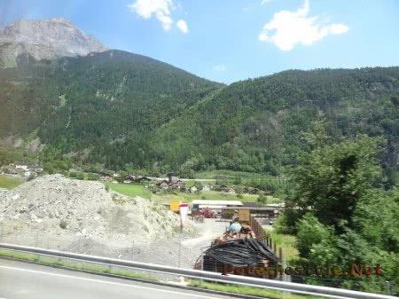 Стройка среди Альп