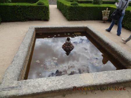 Маленький фонтан в Саду Эскориала