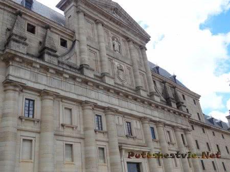 Фасад здания Эскориала