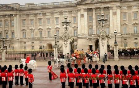 Чем известен Лондон для туриста ?
