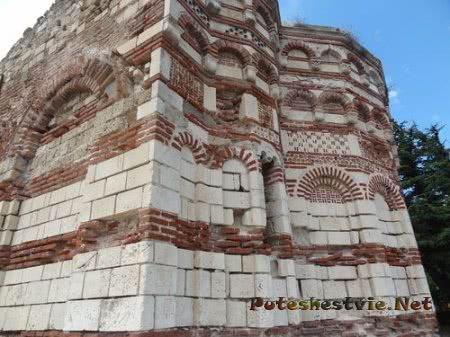 Оригинальная кладка древней несебрской церкви