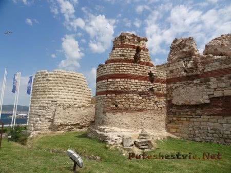 Часть крепостных стен Несебра