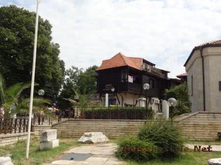Вид на здания Несебра