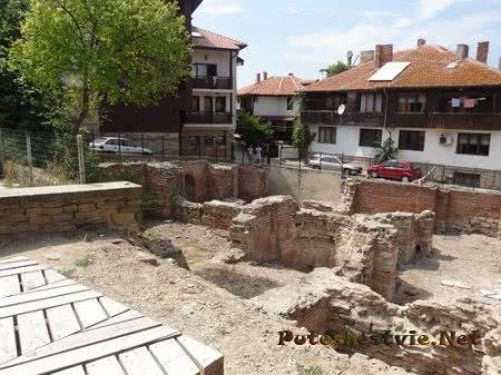 Руины римских терм в Несебре