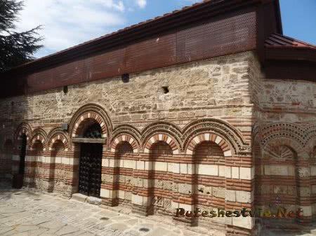 Старая церковь Несебра на реконструкции