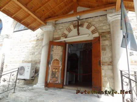 Дверь в церковный музей Несебра