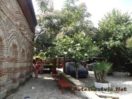 Изящная кладка старой болгарской церкви