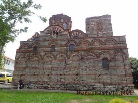 Старинная церковь Несебра