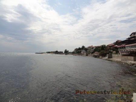 Город Несебр у моря