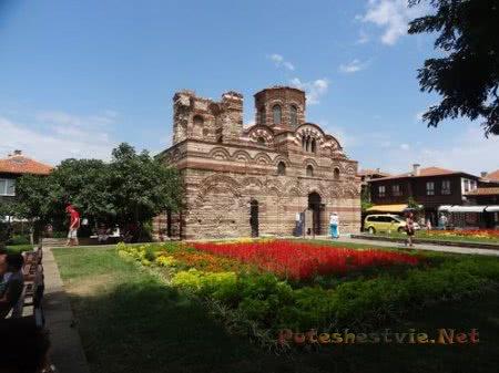 Одна из древних церквей Несебра