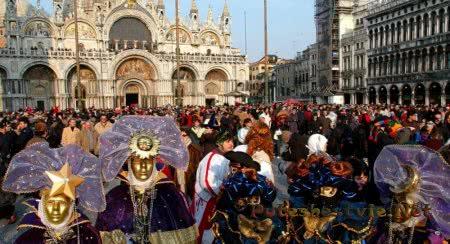 красивейший карнавал в Венеции