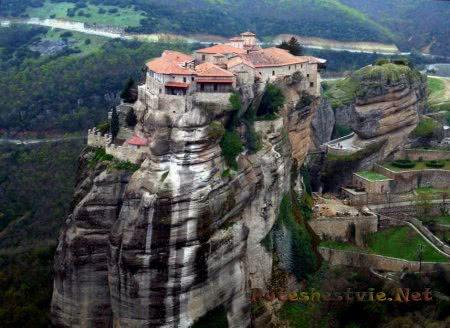 Монастыри-метеоры в Греции
