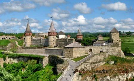 Замки Украины