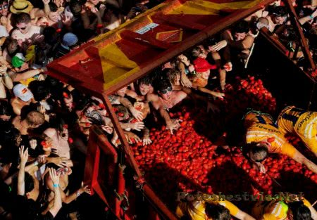 Томатина - Фестиваль в Испании
