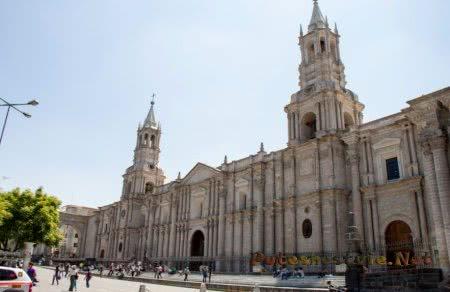 Кафедральные соборы в Перу