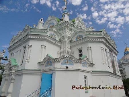 Вид на Церковь Святой Екатерины сбоку