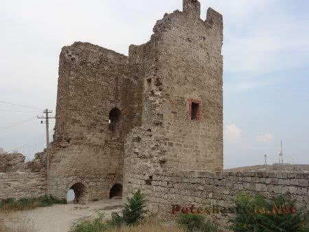 Руины Башни Климента на Карантине