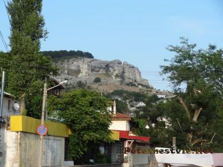 Живописные скалы рядом с Бахчисараем
