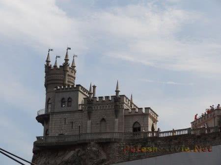 Рыцарский Замок Ласточкино гнездо в Крыму