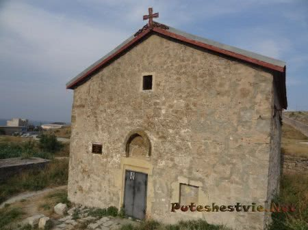 Храм Георгия Победоносца на территории Феодосийской Генуэской крепости
