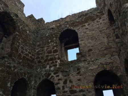 Внутренняя стена Башни Криско на Карантине