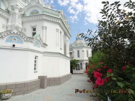 Задний двор Церкви Святой Екатерины в Феодосии