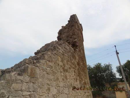 Часть феодосийской Башни Джованни ди Скаффа