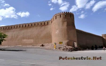 Древняя крепость Арг-е Бам в Иране