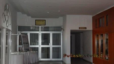 Вход в столовую отеля Эль Муради Бич
