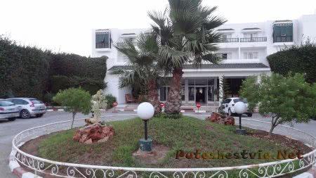 Главный двор отеля Эль Муради Бич перед входом