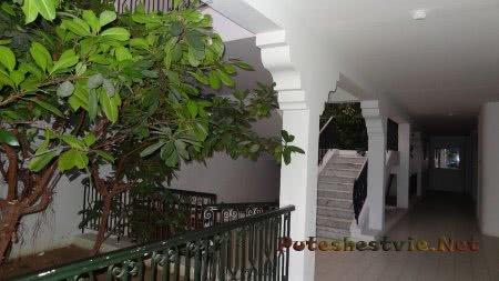 Холл внутри корпусов отеля Эль Муради Бич