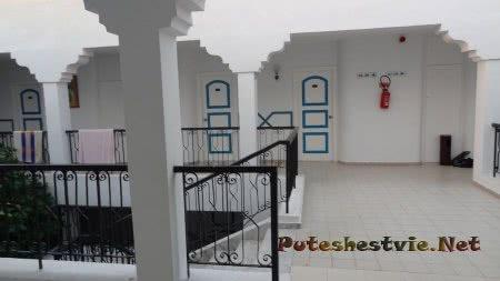 Помещение коридора в отеле Эль Муради Бич