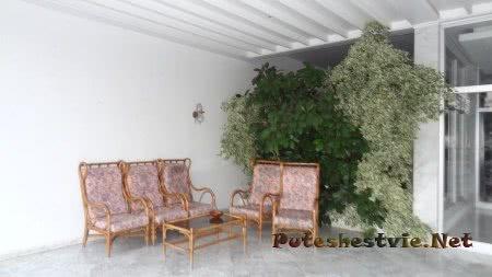 Зона отдыха перед входом в Отель Эль Муради Бич Хаммамета