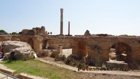 Часть уцелевшего первого этажа римских терм Карфагена