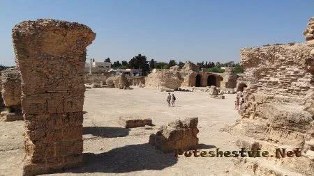 Огромные руины римских бань Карфагена