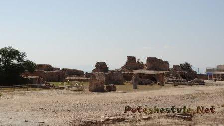 Разрушенные помещения римских бань Карфагена